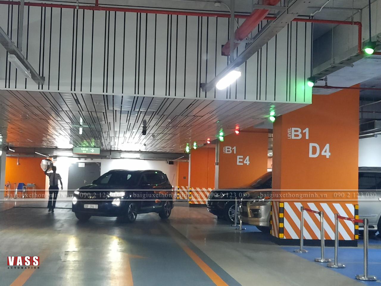 Hệ thống kiểm soát xe thông minh
